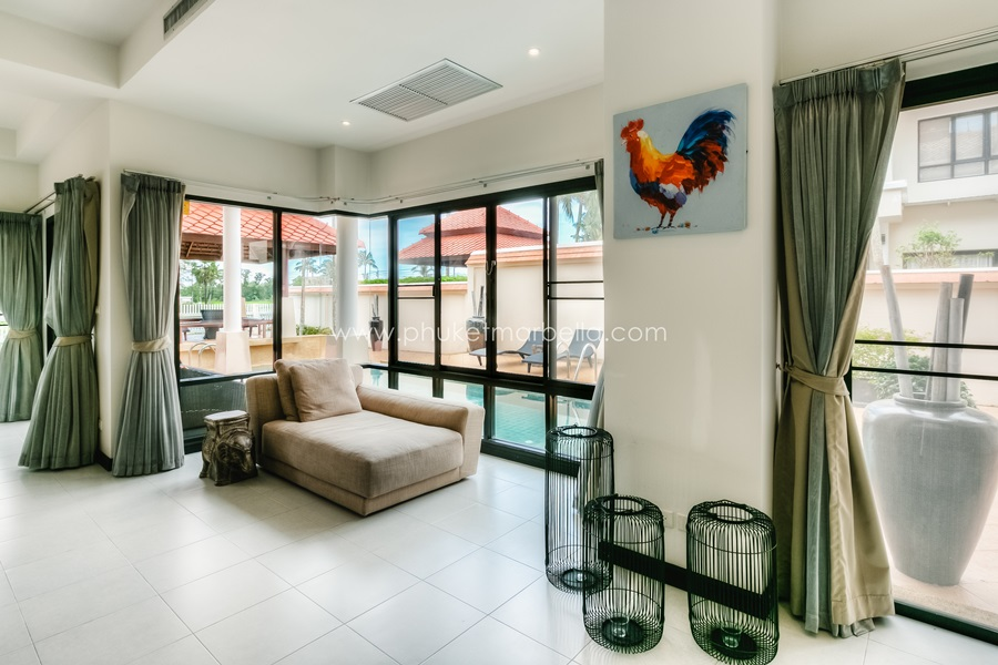 3 Bed Private Pool Townhome in Laguna