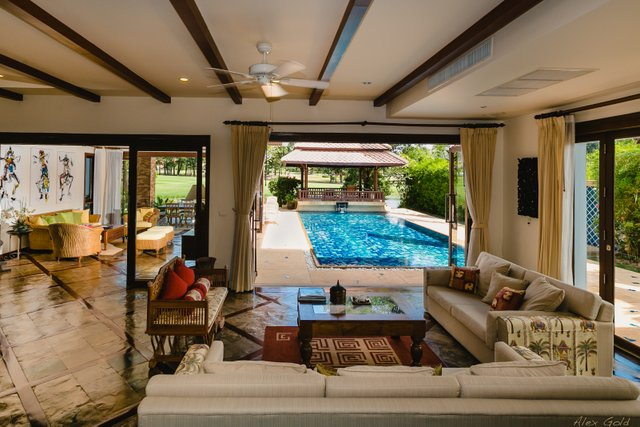 4 Bed Private Pool Villa in Laguna Beach