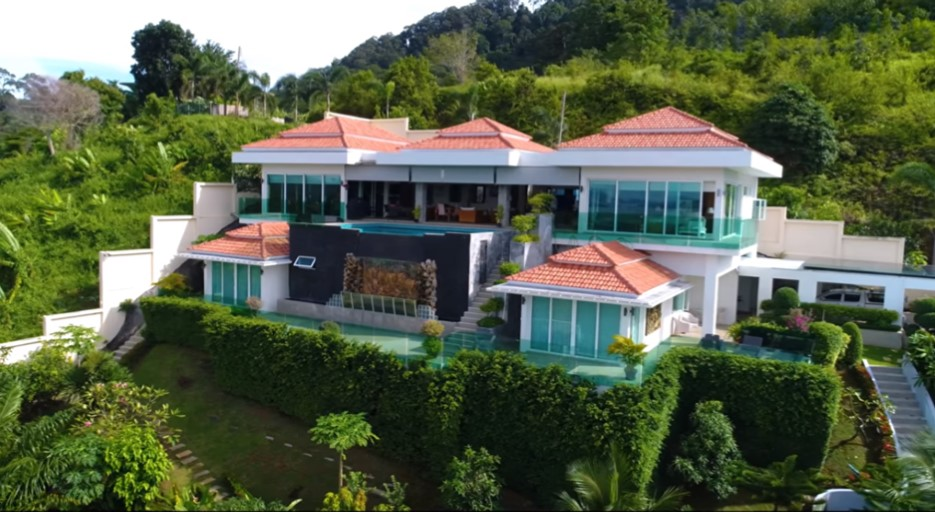 6 Bed Pool villa in Para Thalang
