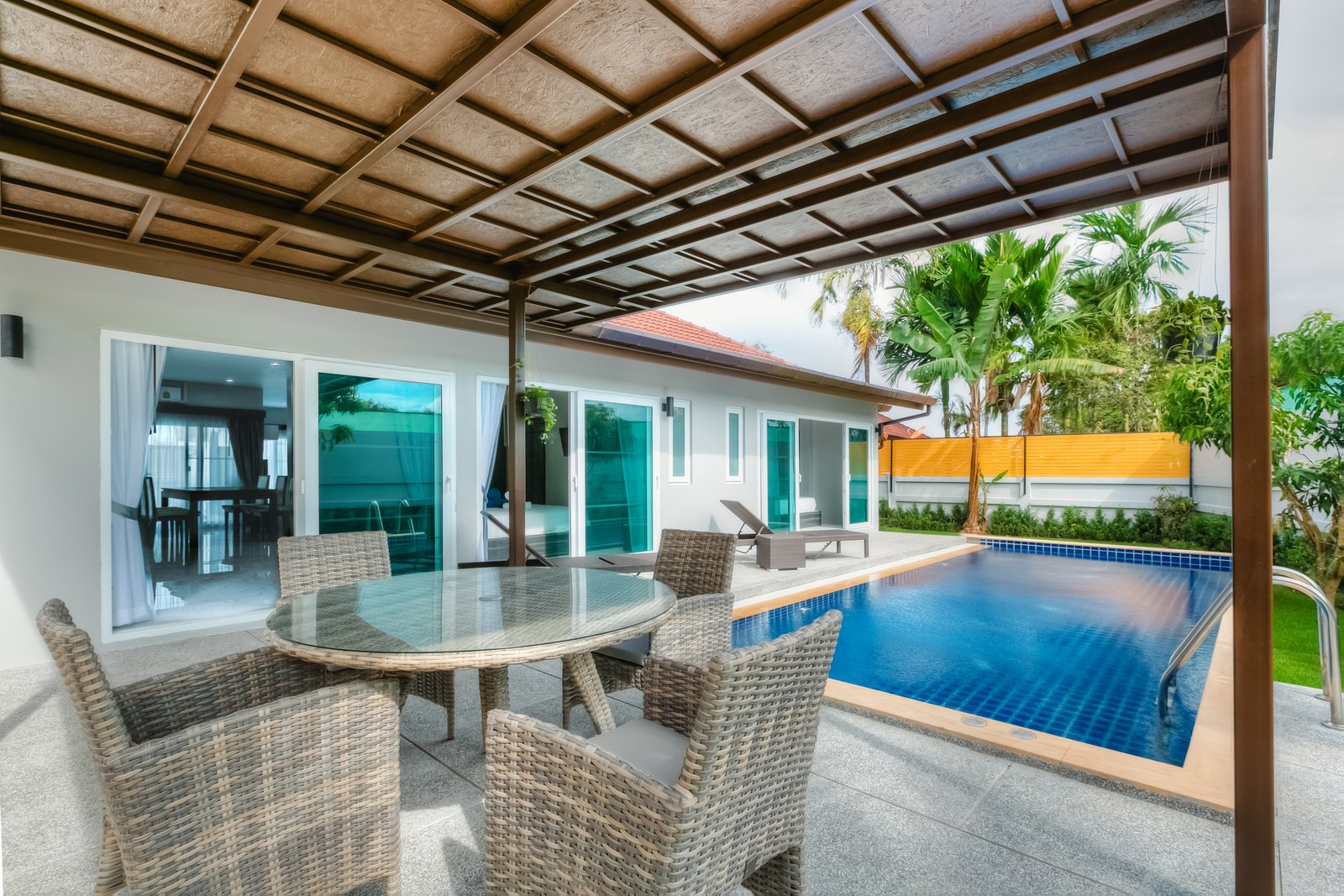 Brand new 3-bed pool villa next from blue tree water park